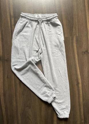 Спортивный штанишки джогеры bershka