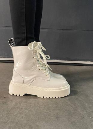 🍂 демисезонные лакированные ботинки dr. martens jadon patent white