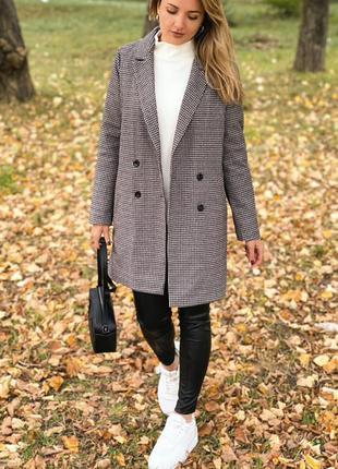 Пальто женское демисезонное в клеточку батал утепленное осень серое