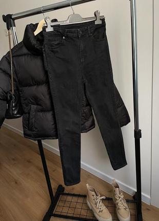 Джинсы скини на высокой посадке / чёрные джинсы skinny