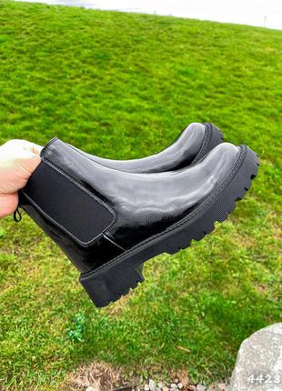 Деми ботинки натуральная кожа лак