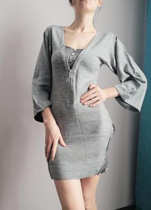 Тепле шерсьтане плаття приталене по фігурі сукня з об'ємними рукавами