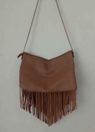 Стильная сумочка с бахромой из замши
