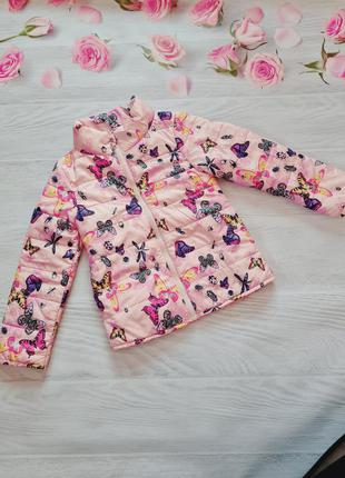 Яскрава курточка в метелики від h&m.