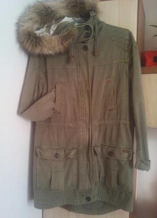 Парка куртка хаки демисезон pull and bear