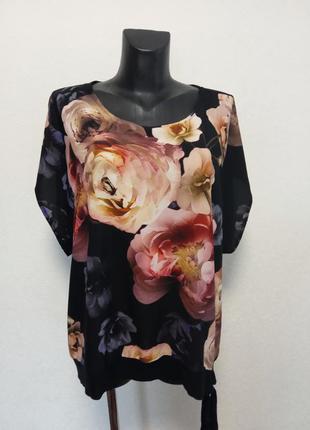Шикарная блуза в цветы 22р