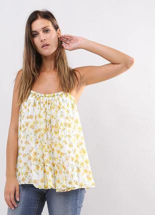 Легкий свободный топ, блуза на тонких бретельках в цветочный принт mango