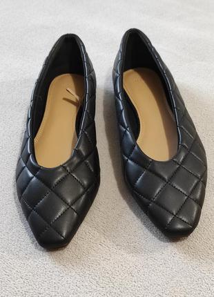 Туфли черные стёганые кожаные балетки удобные на низком ходу.