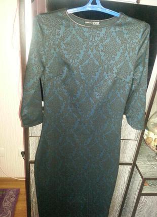 Платье-футляр длины миди
