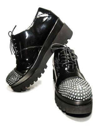 Черные лаковые кожаные полуботинки италия, бренд cw chewing(р38 - 25,5см)
