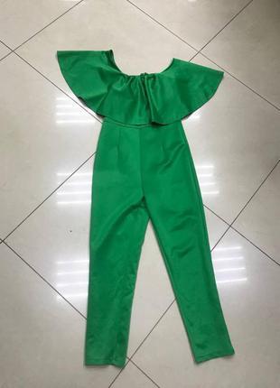Срочная распродажа!  зеленой плотный комбинезон с воланом