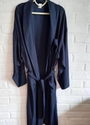 Лаконичный шелковый халат calida