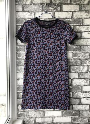 Шикарное трикотажное платье футболка в леопардовый принт прямого кроя