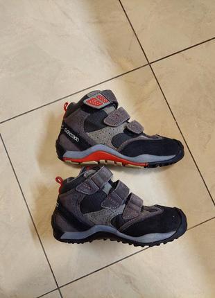 Фирменные демисезонные ботинки