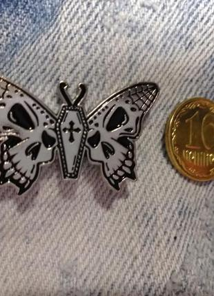 Значок бабочка значок ночная бабочка значок гроб значок крест значок метелик
