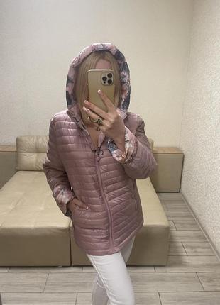 Женская куртка)италия