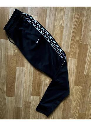 Спортивные штаны nike с лампасами 2020