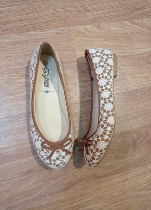Гипюровые туфли