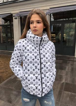 Женская куртка  белая демисезонные