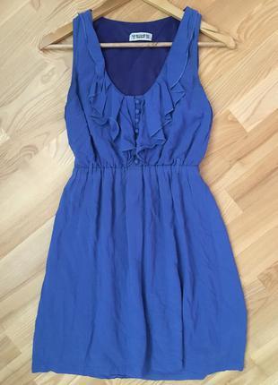 Синее платье с рюшами pull&bear