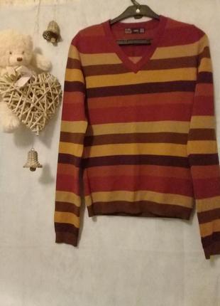Красивый свитерок в составе шерсть р. 44 от zara