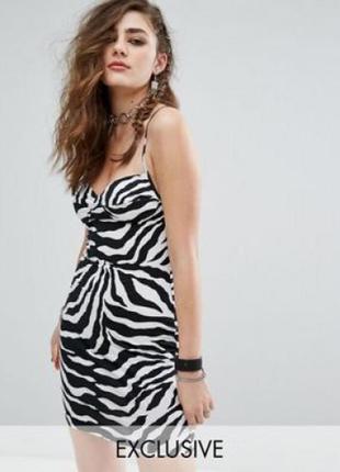 Очень красивое черно белое платье  под зебру   dorothy perkins.