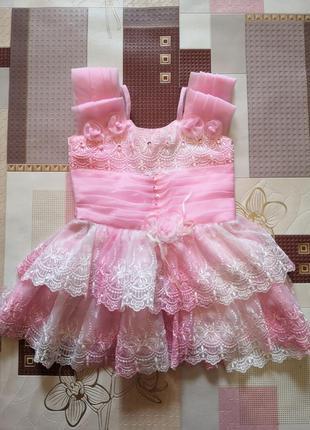Нежное платье, размер 9-12 месяцев.
