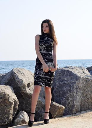 Платье -американка с красивым орнаментом