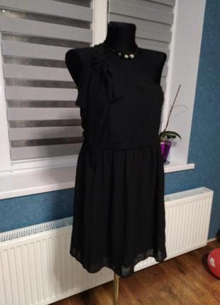 Чарівне плаття в грецькому стилі від знаменитого бренду