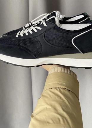 Нові чоловічі кросівки zara