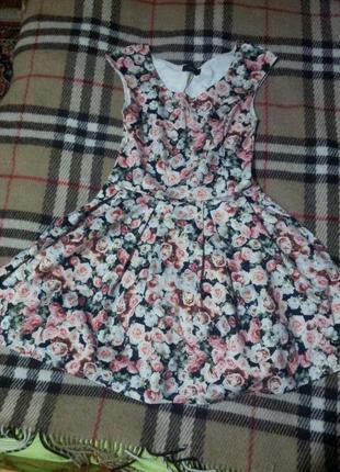 Платье нарядное цветочный принт
