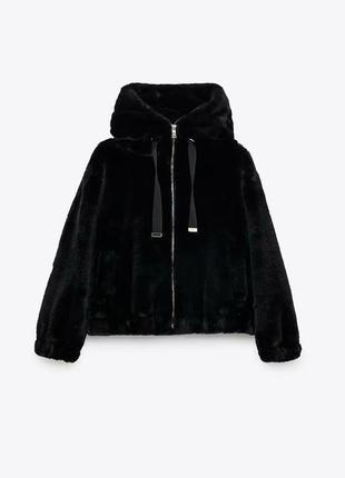 Укороченная шуба/куртка с капюшоном zara
