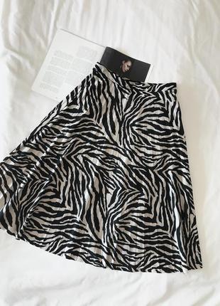 Юбка плиссе в принт зебры f&f чёрная/ бежевая