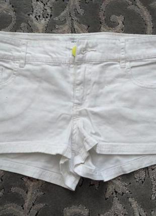 Женские джинсовые шорты фирмы oodji