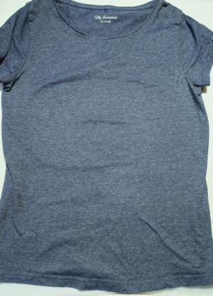 Футболка однотонная. темно-синяя футболка. фирменная футболка.