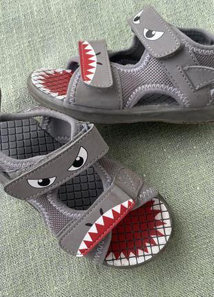 Босоножки сандали f&f акулы р.26