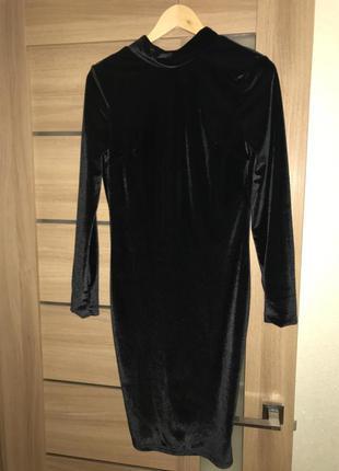 Платье чёрное длина 100-101 см