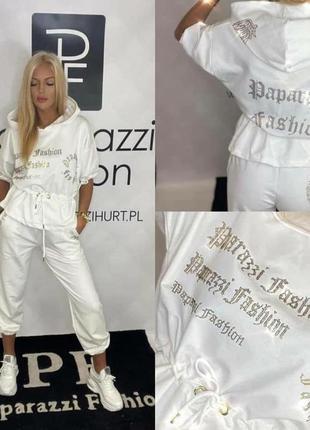 Шикарный белоснежный костюм, люкс качество, размер л.