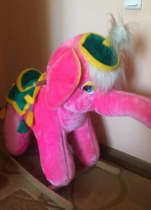 Слоник-гойдалка
