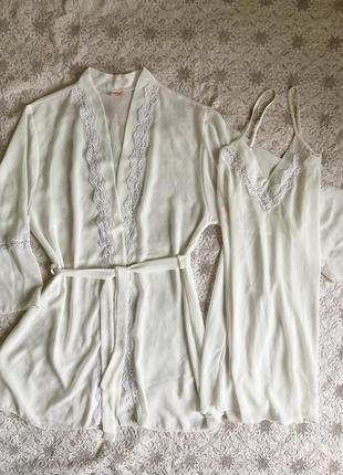 Красивый комплект халат и рубашка