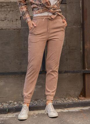 Бежевые вельветовые брюки на резинках