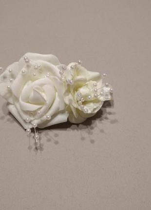 Заколка свадебная белая,нарядная заколка с цветами