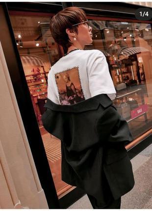 Шикарная женская футболка японского бренда uniqlo. коллекция louvre museum 2021г