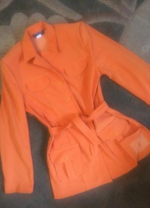 Жакет пиджак кофта с разрезами яркий