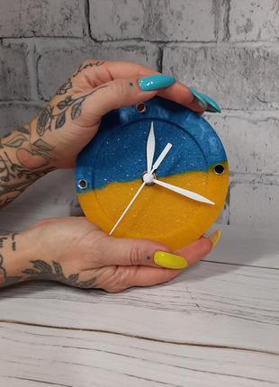 Настільний міні годинник для патріота україни подарунок сувенір на свято в офіс на робочий стіл