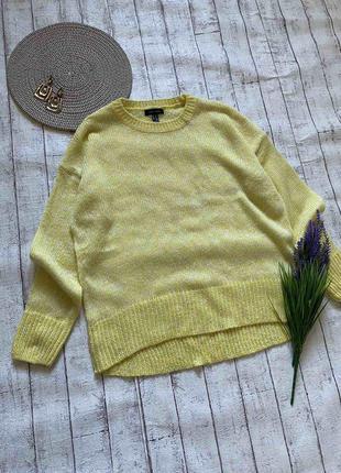 Яркий жёлтый свитерок
