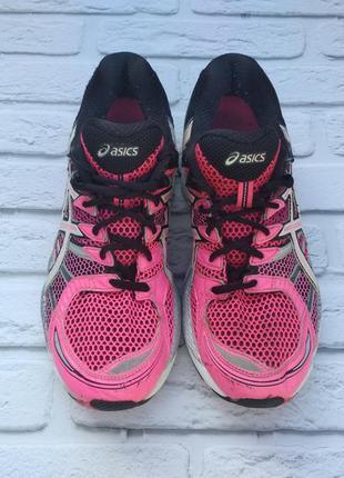 Кросівки asics для волейболу та бігу