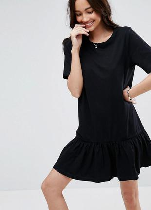 Asos черное платье волнистый низ