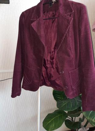Актуальный пиджак шикарный тёплый