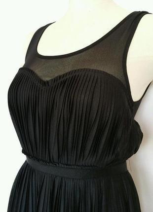 Черное платье миди  h&m плиссе